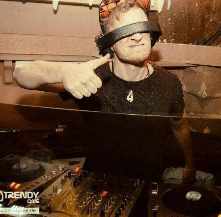 DJ Friendz
